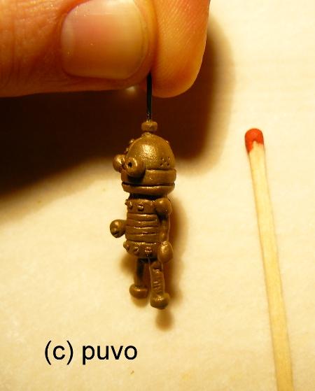 """Der kleine Roboter aus """"Machinarium"""" als Fimo-Minatur von puvo productions"""