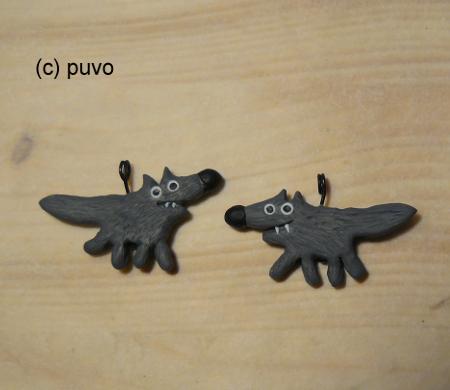 Wölfe aus Fimo als Kettenanhänger / Ohrringe, design by puvo productions
