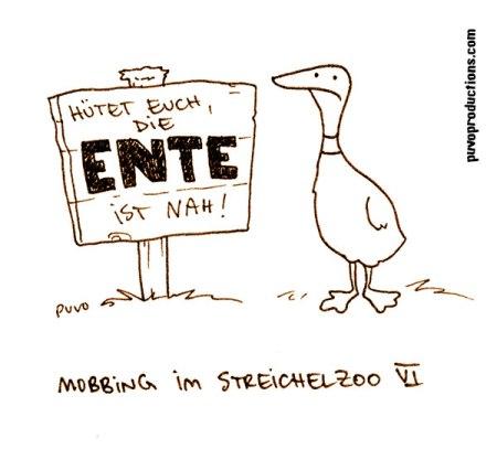 Mobbing im Zoo: Die Ente.